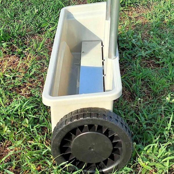 buy fertiliser spreader lawn